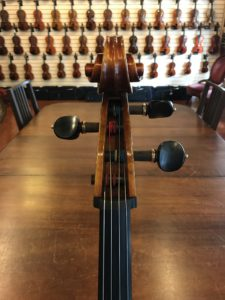 Cello with one posture peg